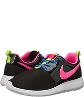 Nike Kids - Roshe One (Big Kid)
