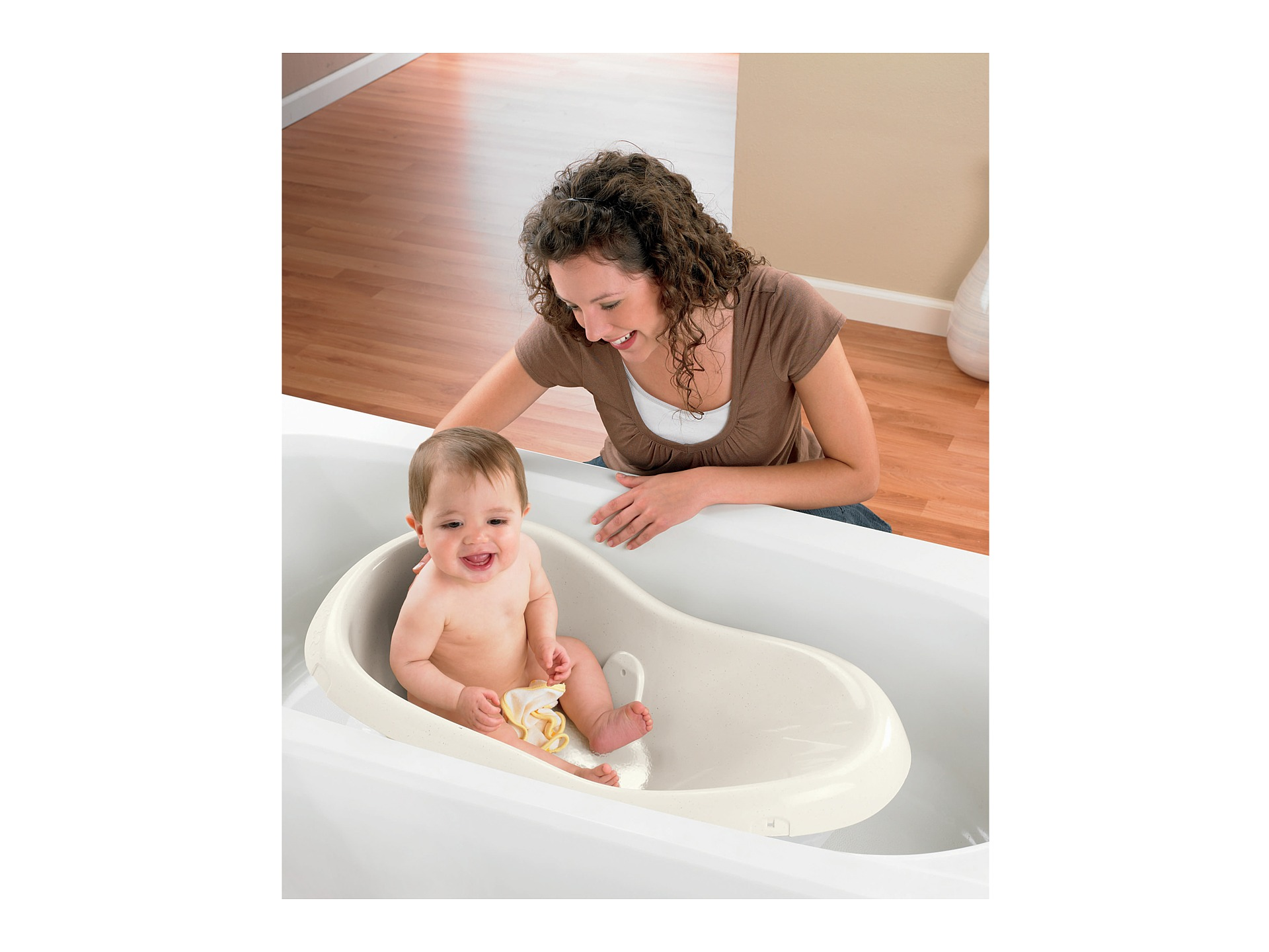 juniors baby bath tub juniors bath tub bath potty babygear online juniors bath tub bath potty. Black Bedroom Furniture Sets. Home Design Ideas