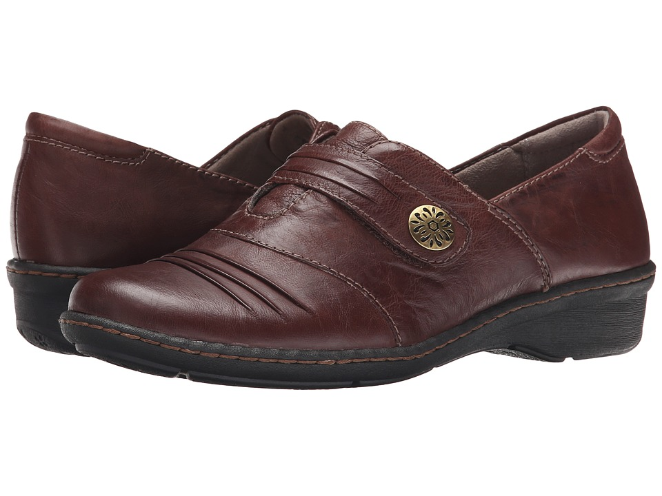 Naturalizer - Response (Bridal Brown Leather) Women's Slip on  Shoes