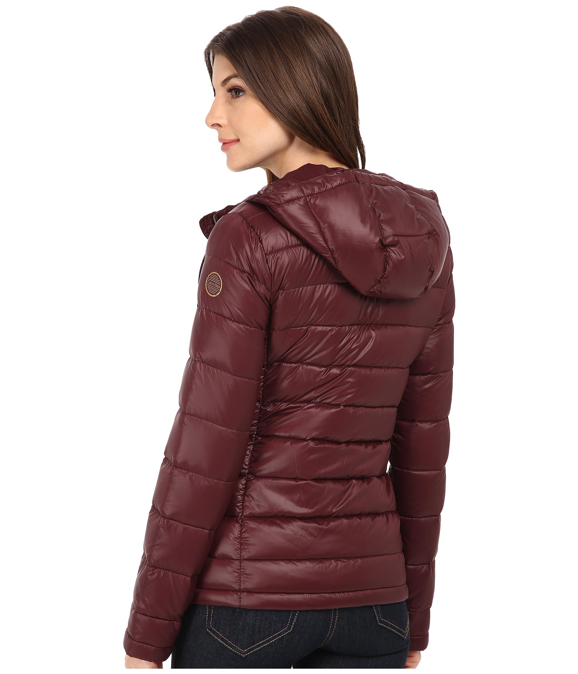 Calvin klein short packable down coat w horizontal quilt pattern