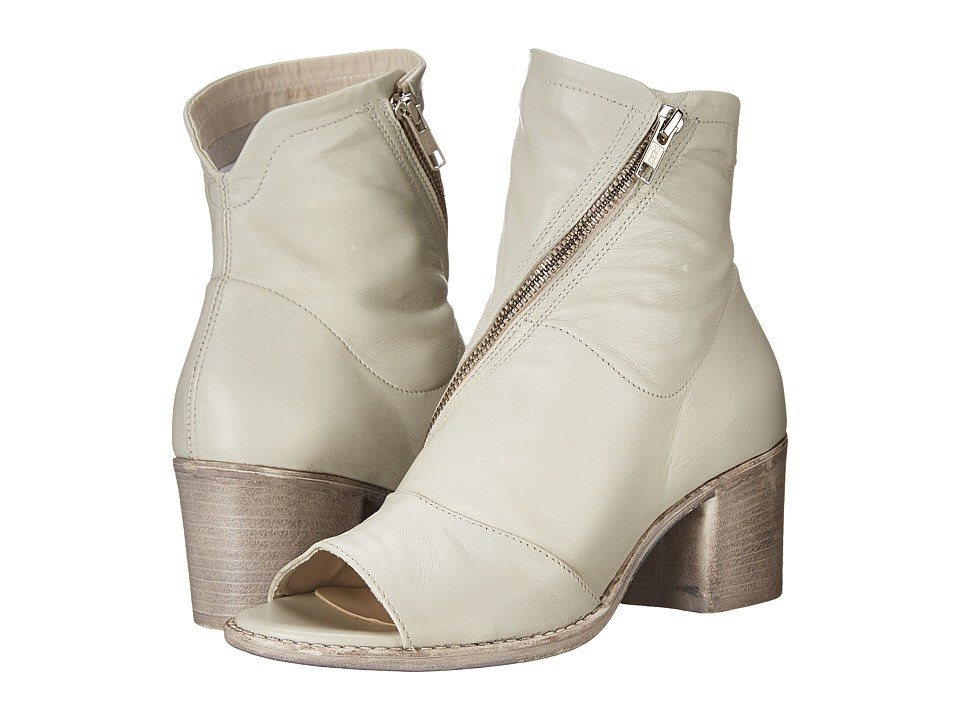 Summit by White Mountain Fantasia (Off White Leather) High Heels