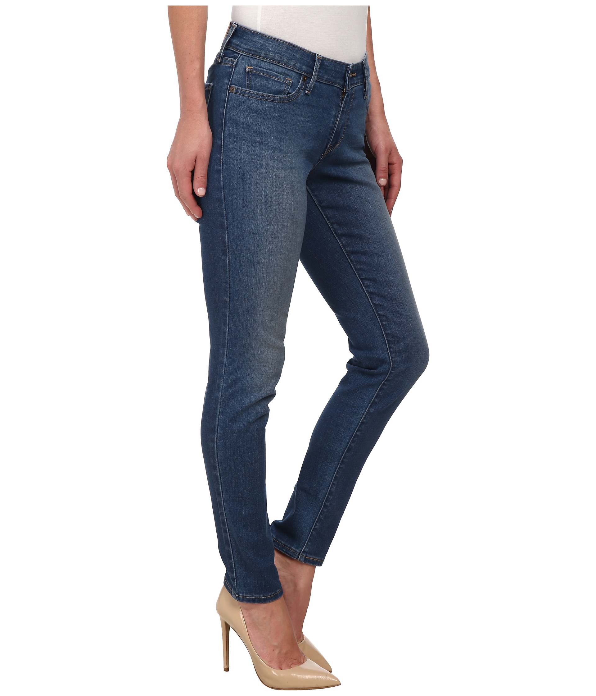 Taller, curvy women can look fabulous in cropped jeans, which will accentuate your hourglass curves. Skip the skinniest crops and capri styles, though, as both .