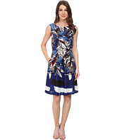 Donna Morgan - Sleeveless Box Pleat Fit and Flare Dress