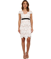 Adrianna Papell - Short Sleeve 3D Guipure Cocktail Dress