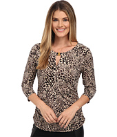 Vince Camuto - 3/4 Sleeve Animal Keyhole Top w/ Hardware