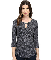 Vince Camuto - 3/4 Sleeve Checker Keyhole Top w/ Hardware
