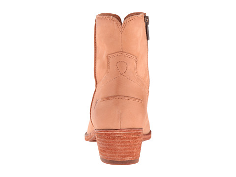 Frye Ray Seam Short Camel Soft Oiled Leather 6pm Com