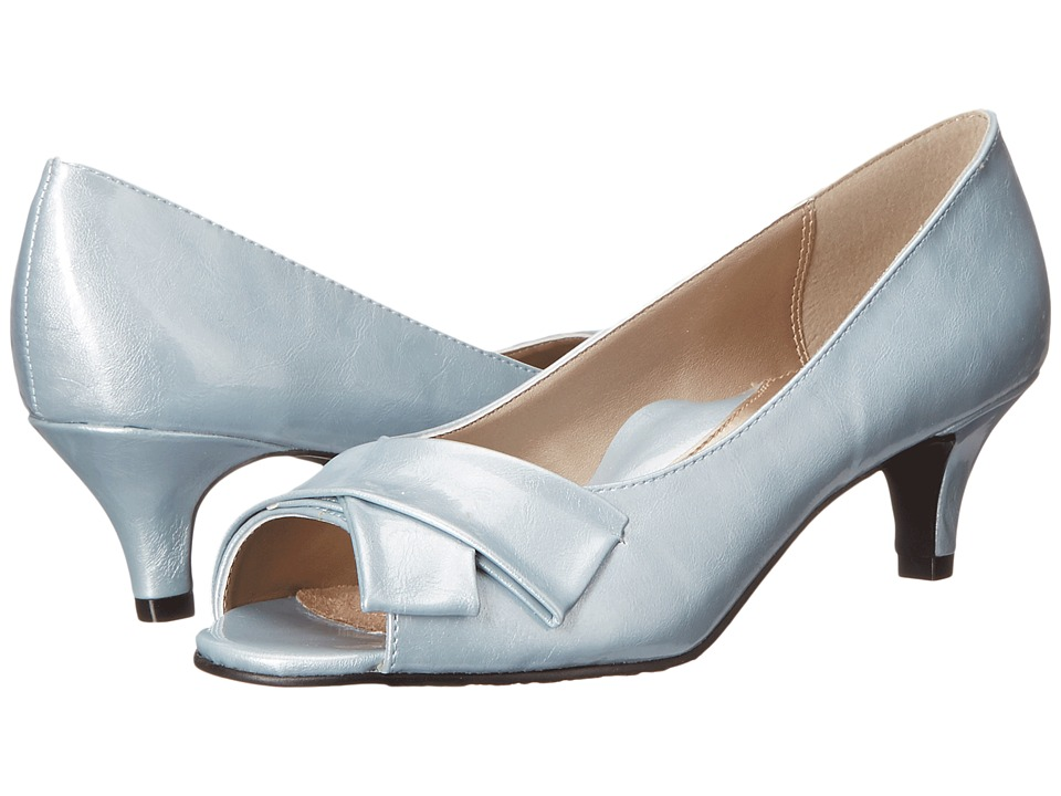Soft Style Aubrey Blue Fog Pearlized Patent Womens 1 2 inch heel Shoes