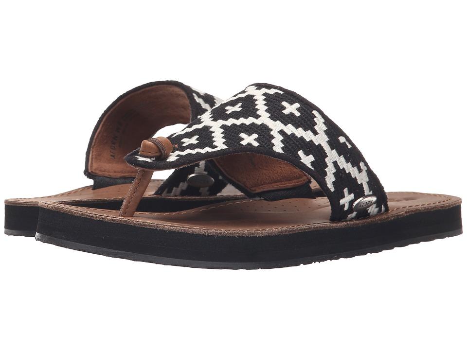 Acorn ArtWalk Leather Flip (Black/Cream Southwest) Women