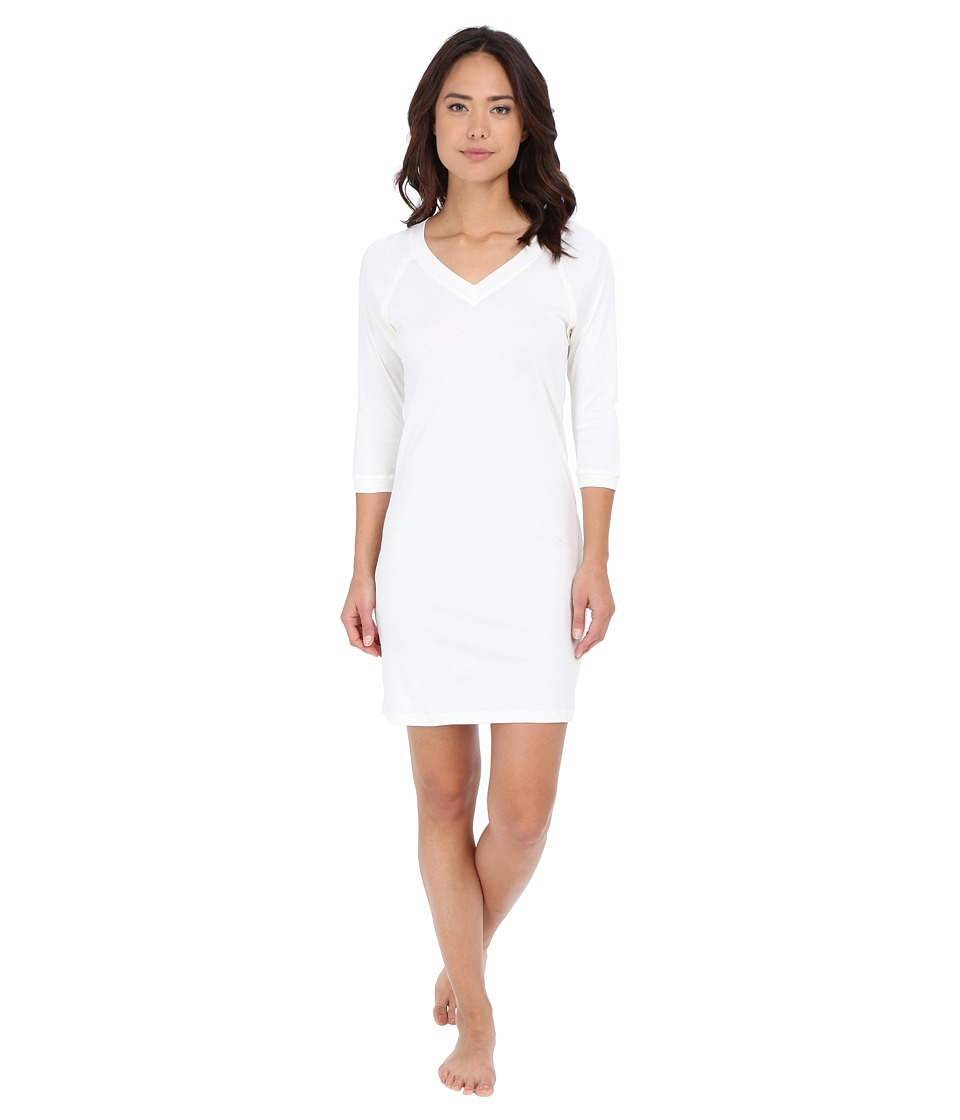 Hanro Pure Essence 3/4 Sleeve Gown (Off-White) Women's Pa...