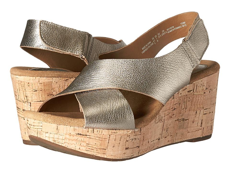 Clarks - Caslynn Shae (Gold Metallic Leather) Women
