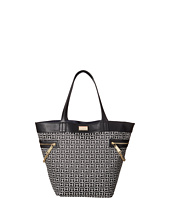 Tommy Hilfiger - Carrie - Monogram Jacquard Tote