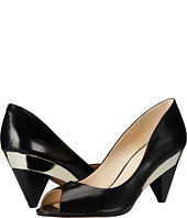 Nine West - Heliconia