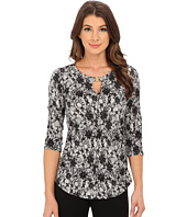 Vince Camuto - 3/4 Sleeve Lace Print Keyhole Top with Hardware