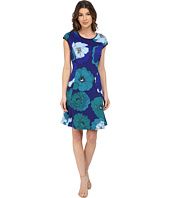 Vince Camuto - Cap Sleeve Peony Bursts Scuba Dress