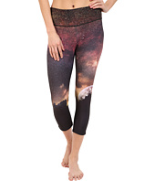 Onzie - Night Falls Graphic Capri Pants
