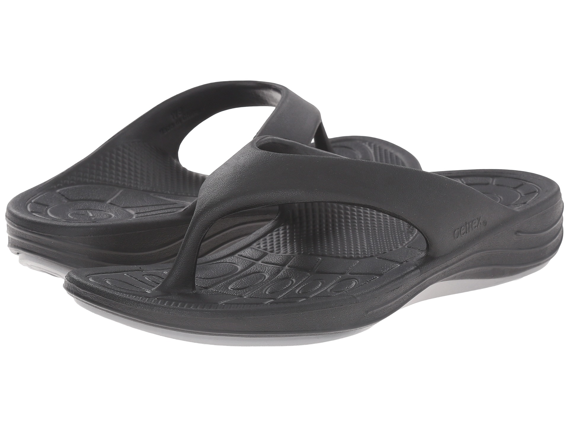 lynco women The lynco slide sandal is made from ultrasky™ injected eva to provide extreme cushioning, shock attenuation and durability you'll feel like you're walking on air with most comfortable footwear experience on earth.