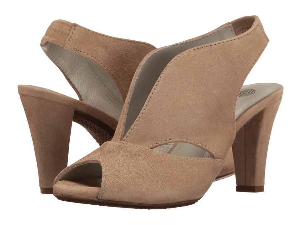 Eric Michael Peru (Beige) Women's  Shoes