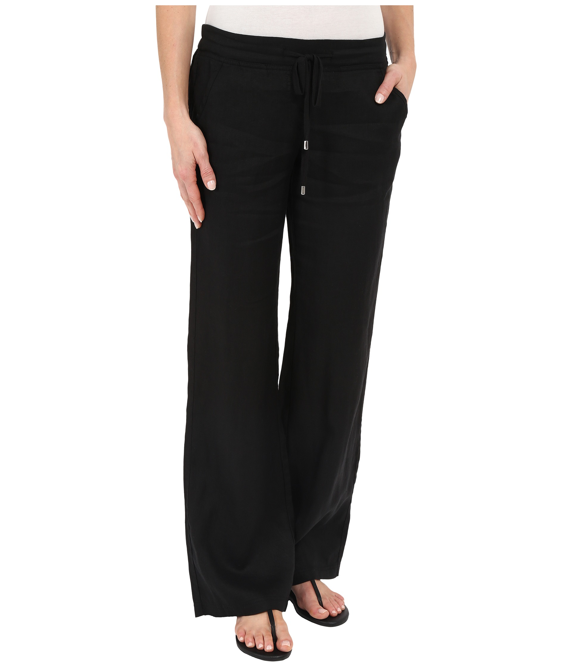 Whether you're going to a yoga class or just cleaning up around the house, our linen pants for women are a fashionable steal. Old Navy received a thumbs up from our female shoppers when we introduced the line of women's linen pants.
