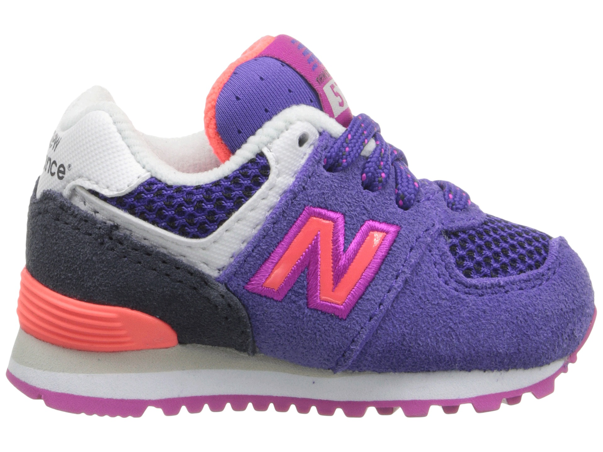 does new balance 574 run small
