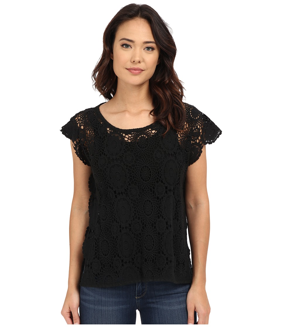 BCBGeneration Embrace the Lace High Low Poncho Black Womens Short Sleeve Pullover