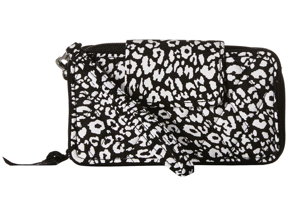 Vera Bradley Smartphone Wristlet for iPhone 6 Camocat Clutch Handbags