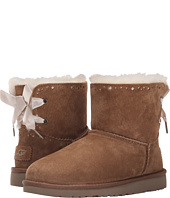 UGG Kids - Dixi Flora Perf (Big Kid)
