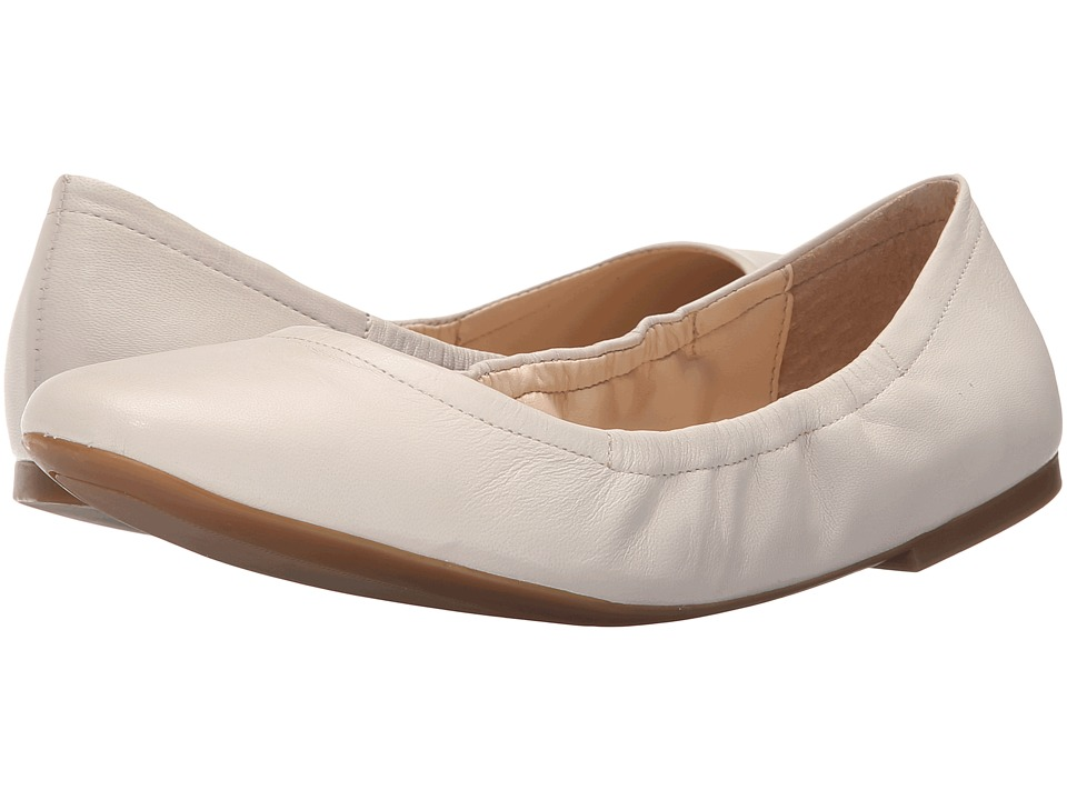 Nine West Girlsnite Off White Leather Womens Flat Shoes