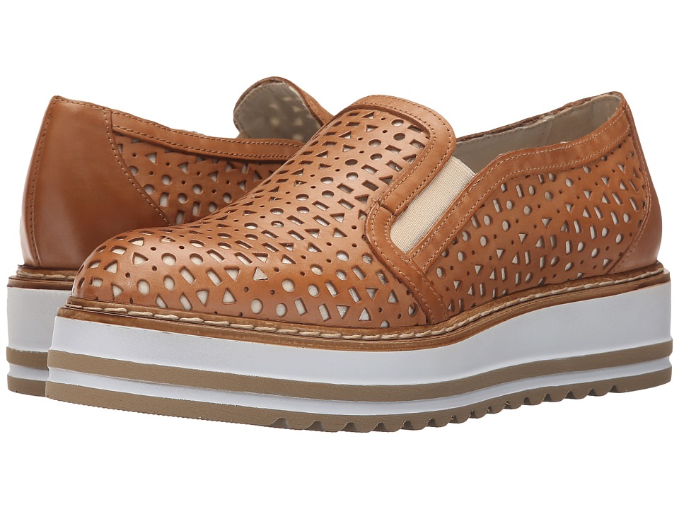 Summit by White Mountain Braxton (Camel Leather) Slip-On Shoes