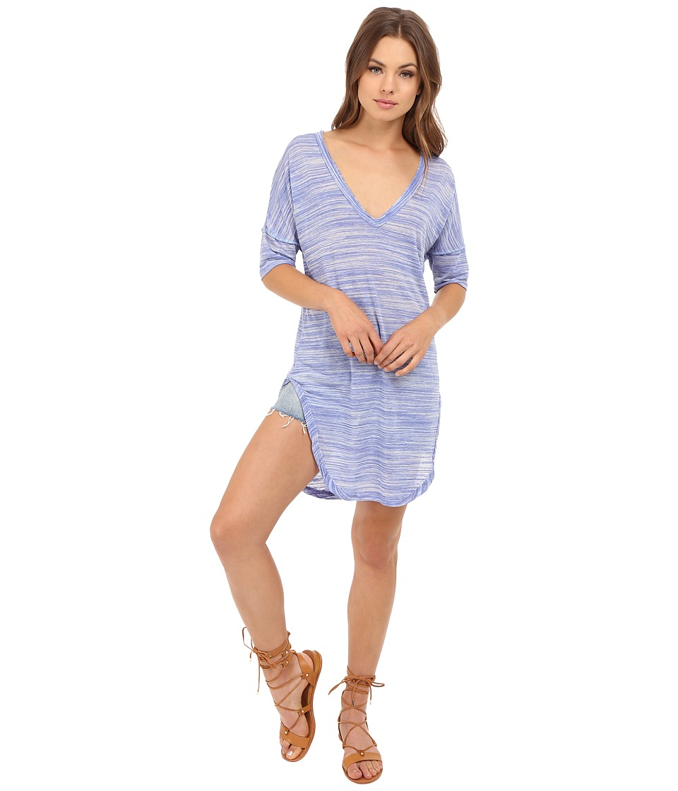 Lucy Love - V-Neck Tails Tee (Bondi Blue) Women