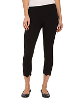 HUE - Eyelet Trim Cotton Capris