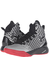 Under Armour Kids - UA BGS Clutchfit Drive 3 (Big Kid)