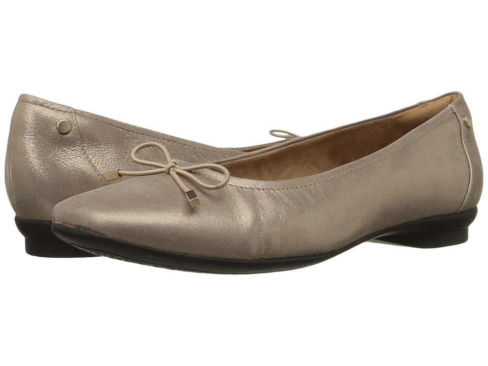 Clarks Candra Light (Champagne Metallic Leather) Women