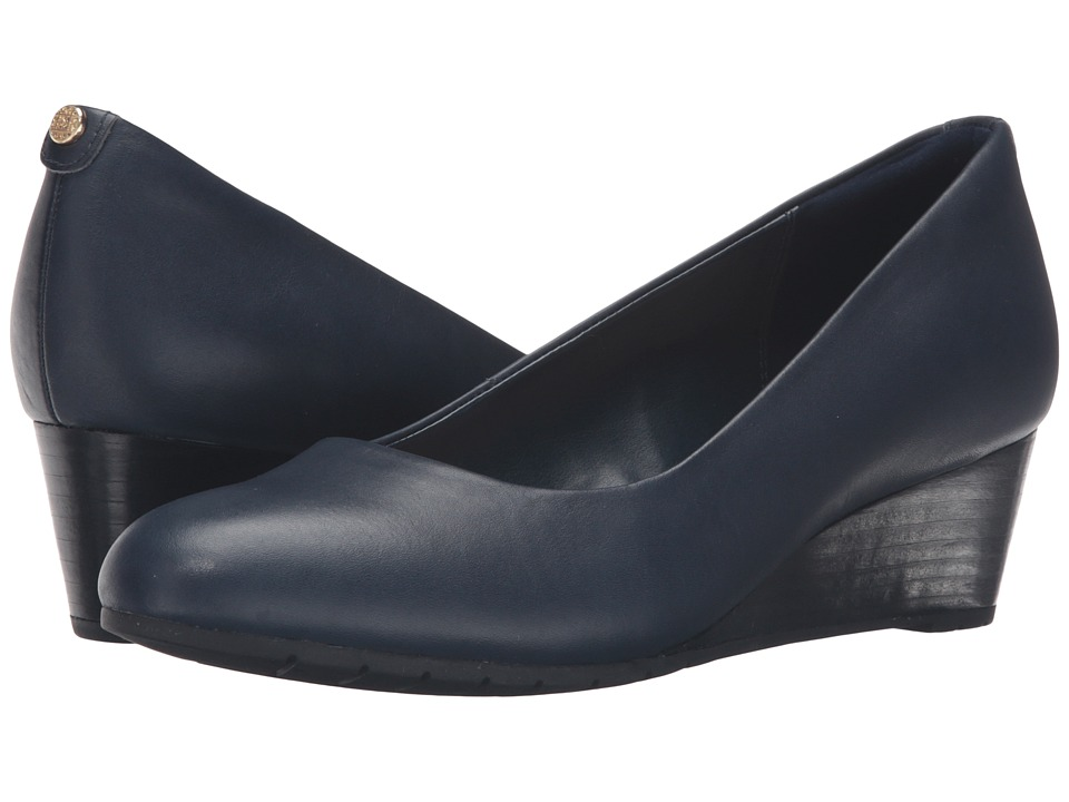 Clarks Vendra Bloom (Navy Leather) Women's  Shoes