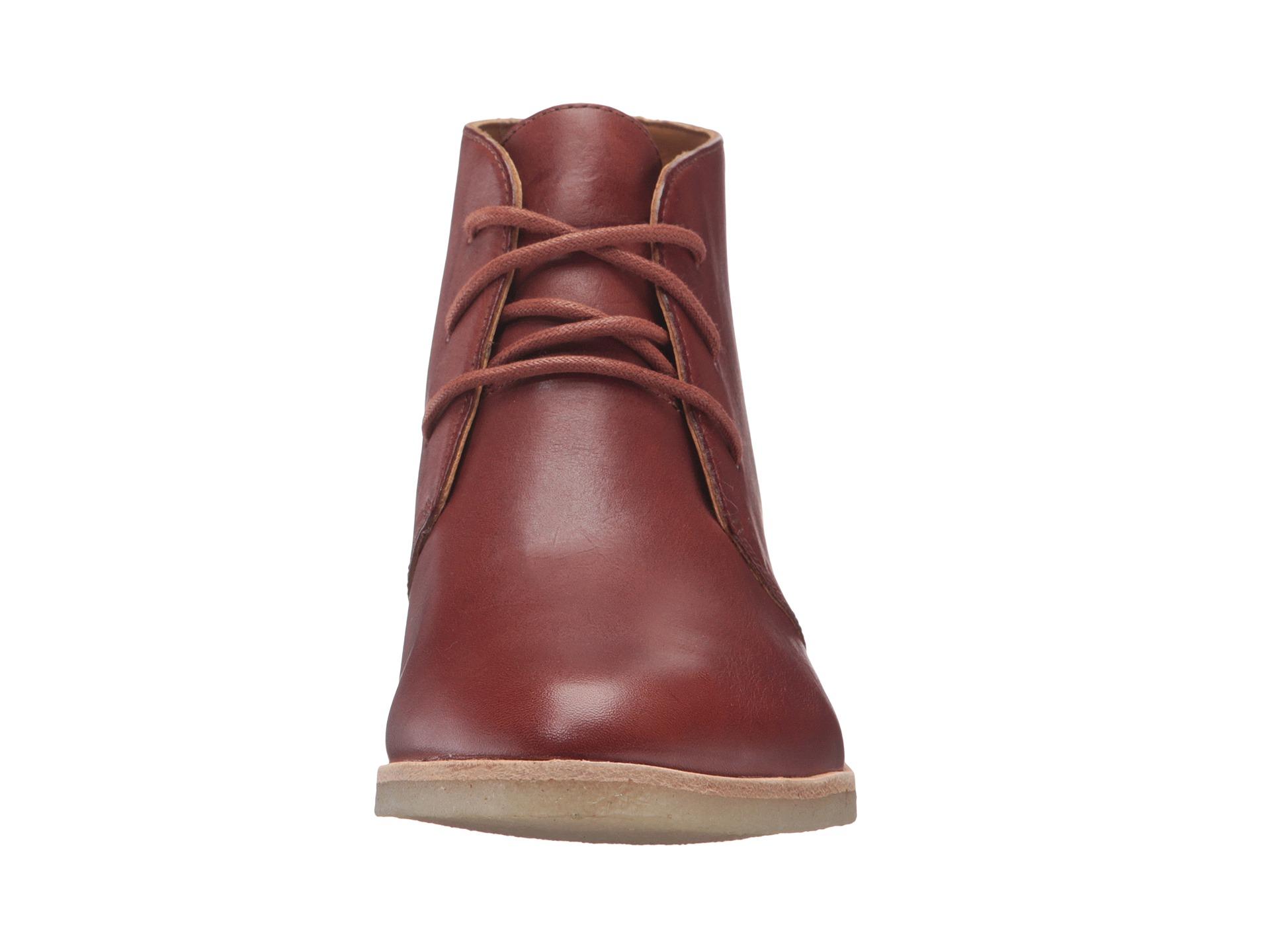 Clarks Phenia Carnaby Tan Leather