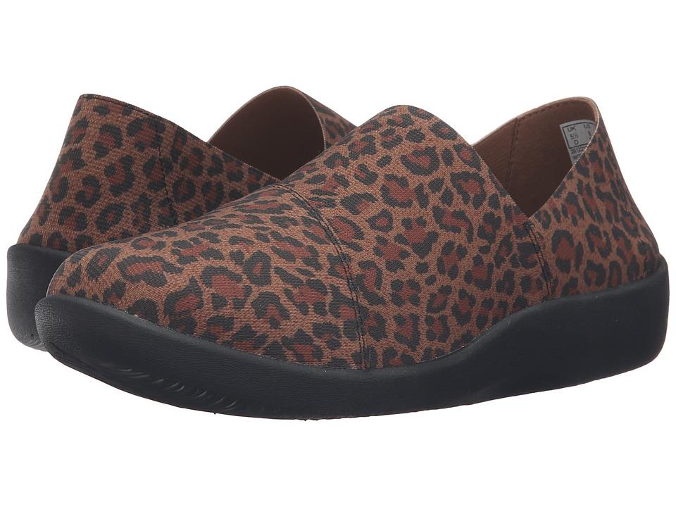 Clarks - Sillian Firn (Leopard Print Synthetic) Women