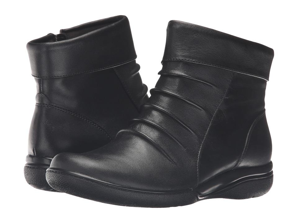 Clarks - Kearns Swim (Black Leather) Women