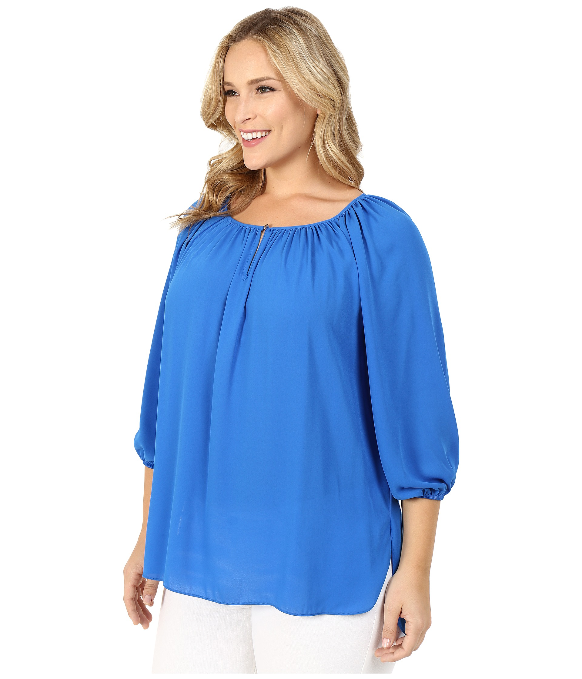 Find a designer blouse to complement your look. Hudson's Bay has a great selection of women's blouses, and free shipping within Canada on orders over $99!