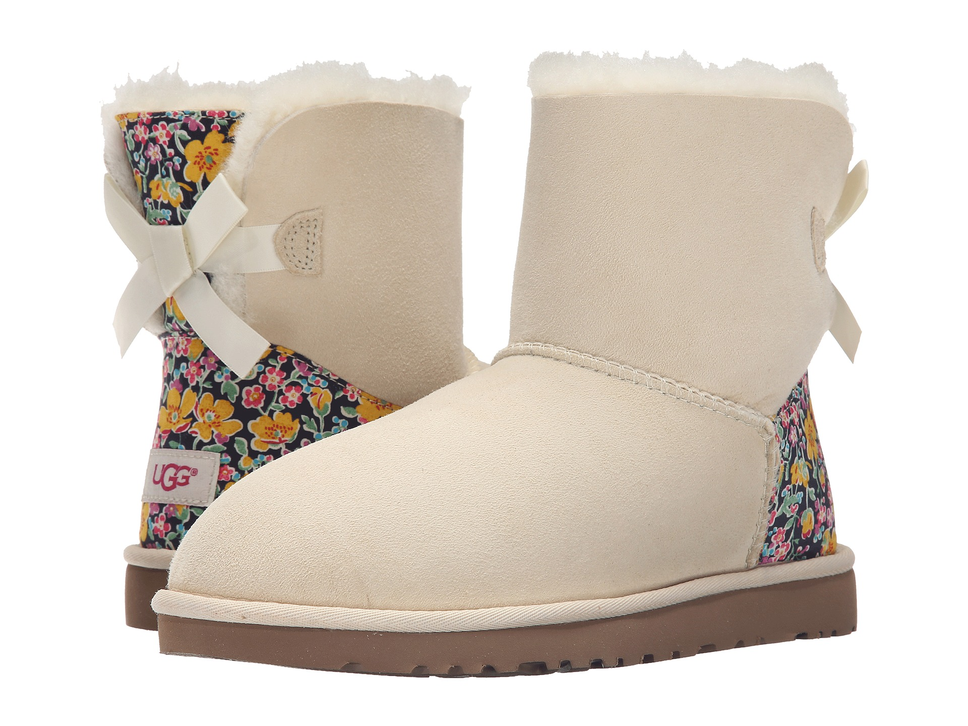 white bailey bow uggs