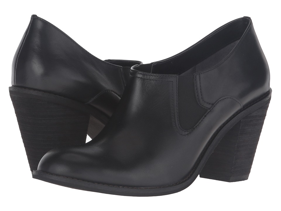 SoftWalk - Fargo (Black Smooth Leather) High Heels