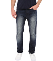 Calvin Klein Jeans - Taper Jeans in Blue Shadow