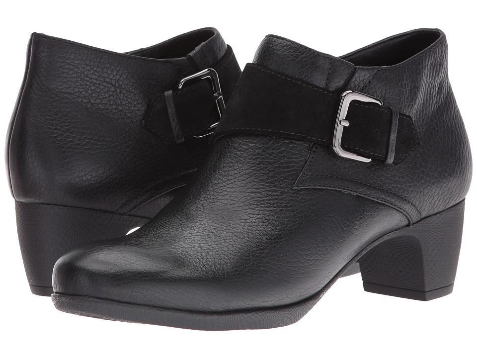 SoftWalk Imlay (Black Veg Tumbled Leather/Cow Suede) Women