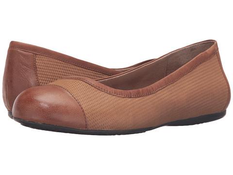 SoftWalk Napa - Cognac Nubuck Embossed Leather/Leather