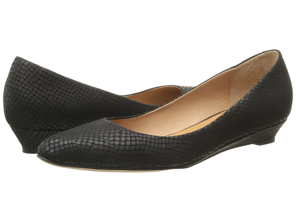 Corso Como Kellie Black Solid Snake Womens Flat Shoes