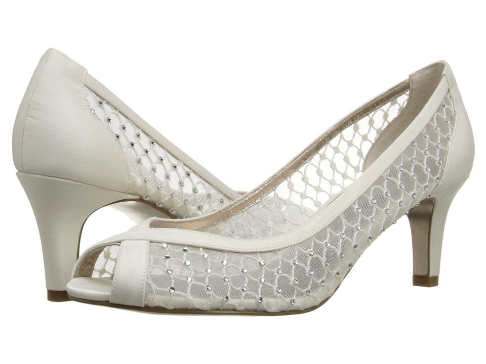 Adrianna Papell Zandra Ivory Womens Shoes
