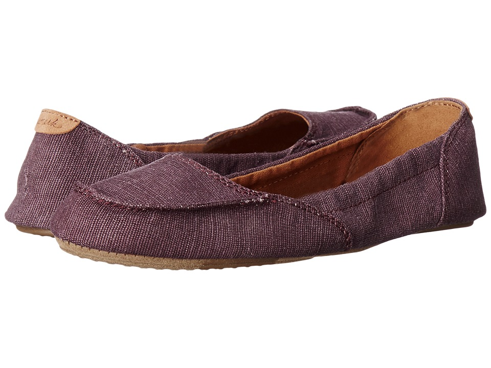 Sanuk Elle V. Eight (Burgundy) Women