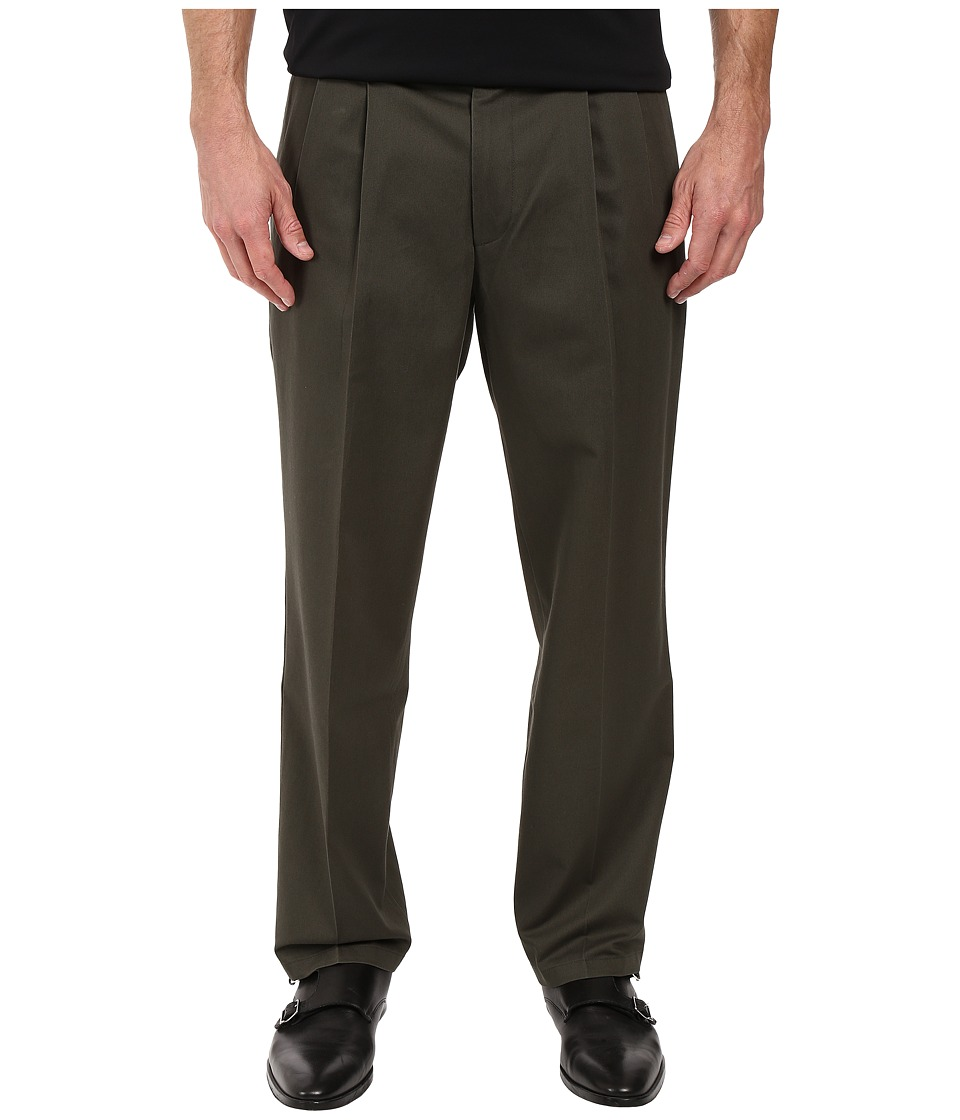 Dockers - Signature Khaki D3 Classic Fit Pleated (Olive Grove Stretch) Mens Casual Pants