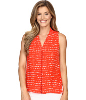 Vince Camuto - Sleeveless Ancient Etchings Invert Pleat Blouse