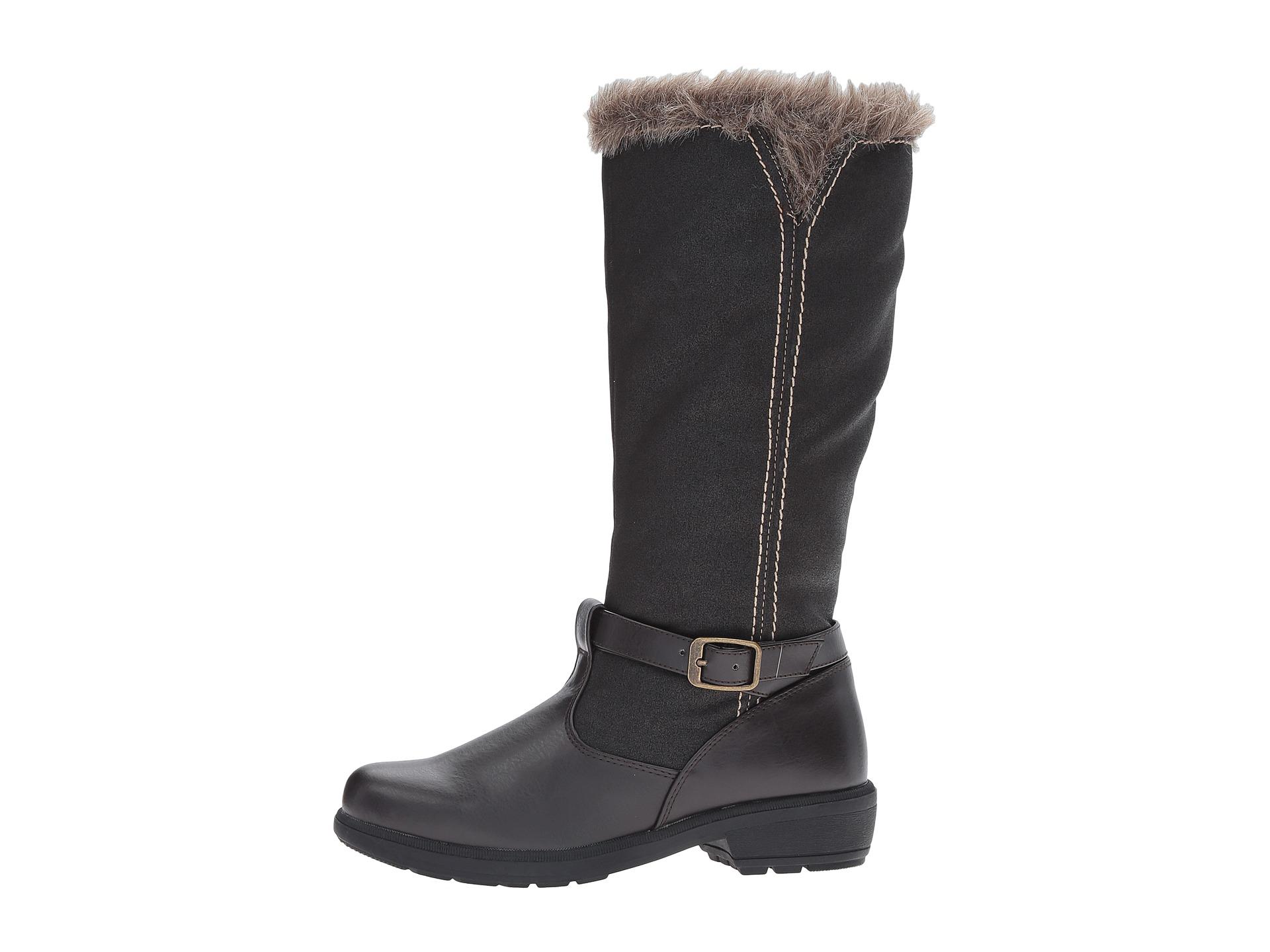 tundra boots mai at zappos