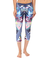 Onzie - Juicy Leaf Capri Pants